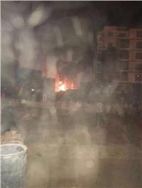 الدفع بـ 15 سيارة إطفاء لحريق «محطة كهرباء زايد»