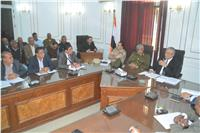 محافظ المنيا يناقش خطة المراكز والمديريات للاستعداد للانتخابات الرئاسية