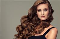 3 «ماسكات» طبيعية لتنعيم الشعر الجاف