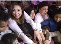 نهال عنبر لـ «أمهات الشهداء»: «كلنا أبناؤكم فقد قدمتوا الكثير من أجل مصر»