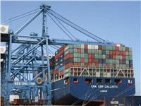 ميناء دمياط يستقبل 8 سفن للحاويات والبضائع العامة