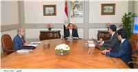السيسي يستعرض مع رئيس الوزراء ووزير النقل تطوير السكك الحديدية
