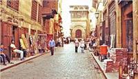 «الآثار» تحتفل بعيد الأم في شارع «المٌعز»