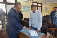 محافظ البحر الأحمر ومدير الأمن يتفقدان لجان الغردقة