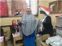مصر تنتخب| بالصور.. نساء «دار السلام» ينتخبن على أنغام «تسلم الأيادي»