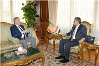 وزير الطيران المدني يستقبل سفير المجر بالقاهرة