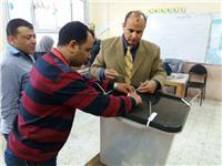 رئيس محكمة البحر الأحمر: فتح اللجان في مواعيدها باليوم الثالث للانتخابات الرئاسية