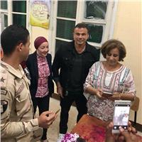 مصر تنتخب| صور.. عمرو دياب يدلي بصوته في انتخابات الرئاسة