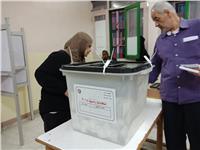 مصر تنتخب| رئيس لجنة بالقاهرة: إقبال كبير من السيدات في الساعات الأخيرة للتصويت.. صور