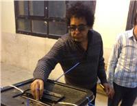 مصر تنتخب| محمد منير يدلي بصوته في الانتخابات الرئاسية