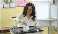 مصر تنتخب| رشا مهدي تدلي بصوتها وتنشر صورتها مع «النجوم الحقيقيين»