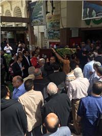 وزير الشباب و«كوبر» في جنازة والدة مدير المنتخب