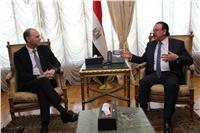 «القاضي» يبحث مع قيادات فودافون زيادة استثمارات الشركة بمصر
