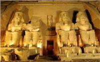 «الصوت والضوء» تعيد السياح لمعبد أبو سمبل
