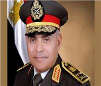 وزير الدفاع يكرم قادة القوات المسلحة المحالين للتقاعد