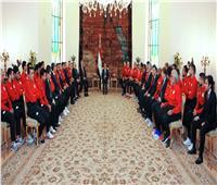 صور| الرئيس يطالب المنتخب القومي بإظهار الصورة الحضارية لمصر في روسيا