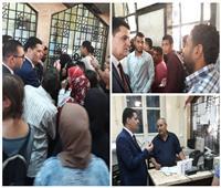 صور| رئيس حماية المستهلك يطمئن على توافر تذاكر القطارات بمحطة مصر