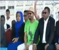 شاهد  لحظة إنفجار يستهدف رئيس الورزاء الإثيوبي