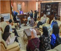 وزيرة الهجرة تستقبل وفدًا من طلاب مصريين بالولايات المتحدة في زيارة للوطن