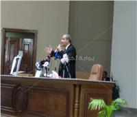 بعد اعتراض الموظفين على العمل فترة ثانية..«المصيلحي»:«مش عاجبكو هاجيب غيركو»