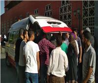 فيديو| لحظة نقل المصابين من مستشفى الحسين الجامعي عقب الحريق