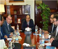 وزير التنمية المحلية يعقد اجتماعًا مع وفد «البنك الدولي»