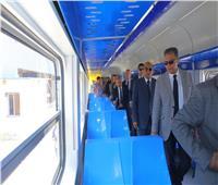 صور| عرفات يشهد الانتهاء من تأهيل أول عربة قطار ضمن عقد 200 عربة