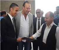وزير التجارة: تسليم أول سجل لمصنع ألوميتال بمجمع السادات