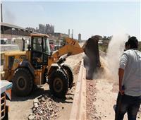 نقل 200 ألف طن أحجار سن بالقطارات لتنفيذ طريق الواحات
