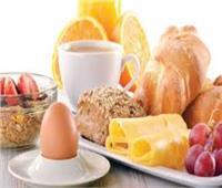 4 خطوات للحصول على وجبة عشاء صحية تقي من زيادة الوزن