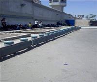 انتظار أهالي المساجين المفرج عنهم أمام منطقة سجون طرة