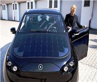 فيديو وصور| أول سيارة تعمل بالطاقة الشمسية في العالم