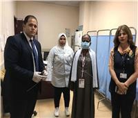 لفتة إنسانية.. موظفا مصر للطيران ينقذان حاج من نزيف ليلحق بطائرته
