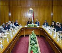 وزيرا الاستثمار والتجارة يبحثان الاستفادة من مبادرة طريق الحرير