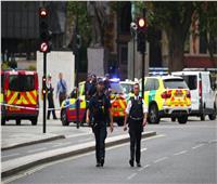 صور| اصطدام سيارة بحاجز أمام البرلمان البريطاني