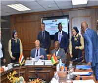 «مصر للطيران» توقع عقدا لإنشاء مركز لصيانة الطائرات بغانا