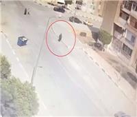 فيديو| لحظة قدوم المتهمة لمنزل شقيقة زوجها لذبحها بـ15 مايو