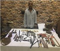 القبض على عامل خرده حول منزله لورشة سلاح بالمطرية