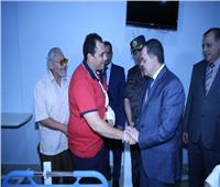 صور| وزير الداخلية يزور مصابين الشرطة في حادث «الطريق الساحلي»