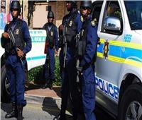 شرطة جنوب أفريقيا تخلي مركزًا تجاريًا بعد تهديد بقنبلة