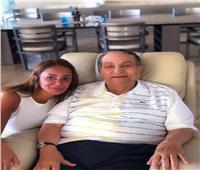 المشيب وكرسي «الليزي بوي».. «مبارك» كما لم تره من قبل