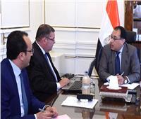 رئيس الوزراء يستعرض خطط تطوير الشركات مع وزير قطاع الأعمال العام