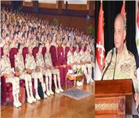 وزير الدفاع يلتقي مقاتلي الجيش الثالث الميداني