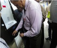 صور| إقبال كبير على ماكينة «الفكة» بمترو الشهداء في اليوم الثاني للتشغيل