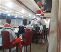 منتخب النيجر يغادر القاهرة بعد الخسارة بسداسية من «الفراعنة»