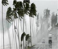 مذيع أمريكي يزيف معاناته في إعصار فتتحول للسخرية على «السوشيال ميديا»