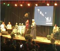 بالصور| «التهامي» يغني «البرودة» على مسرح ساقية الصاوي