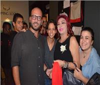 صور| نبيلة عبيد تشاهد «الآخر» بسينما «زاوية» وسط الجمهور