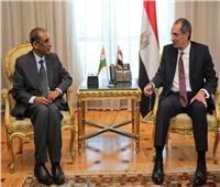 وزير الاتصالات يبحث مع سفير الهند سبل التعاون المشترك