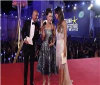 أنوشكا أمام كريم عبد العزيز في فيلم سينمائي جديد